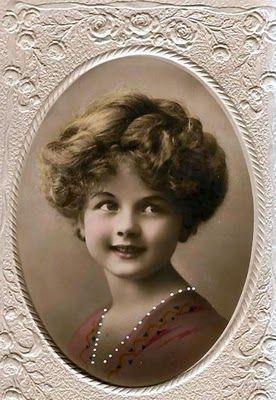 Vintage Rose Album: Dziewczynka