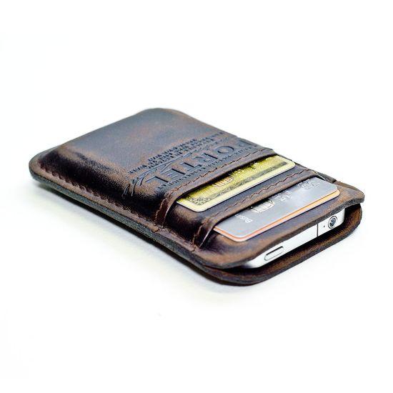 iPhone & wallet.