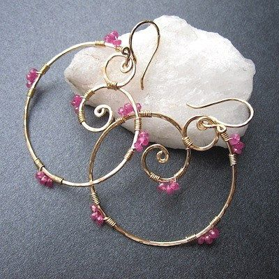 Luxe Bijoux 8 Hammered swirl earrings with your choice of color stone