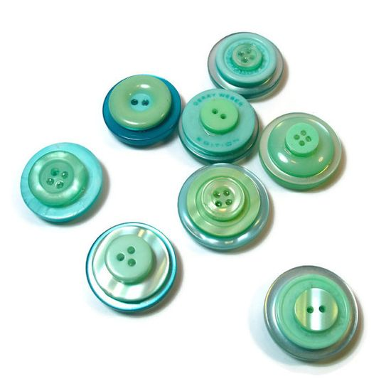 Magnets in Mint, Handmade #Gift Ideas, Upcycled Buttons