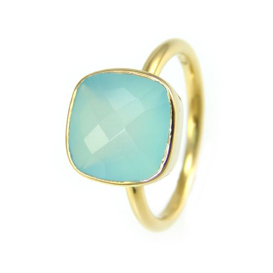 Chalcedony   heals the eyes, lungs from smoking, repairs bones,gallbladder, blood & circulatory system, clears respiratory, lowers blood pressure, enhances immune system,Good luck, protection, protects travelers, brings beauty