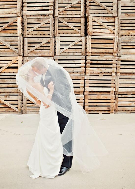 Under the veil kiss!