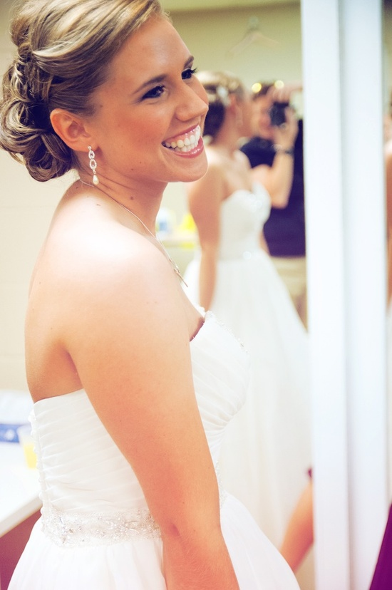 Stunning hair & makeup // Photo by Colleen #minneapolisweddingphotographer #weddingphotography
