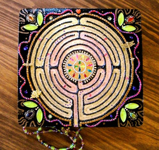 The Labyrinth Beaded Jewelry Box by Diana Maus - gorgeous and so much work!