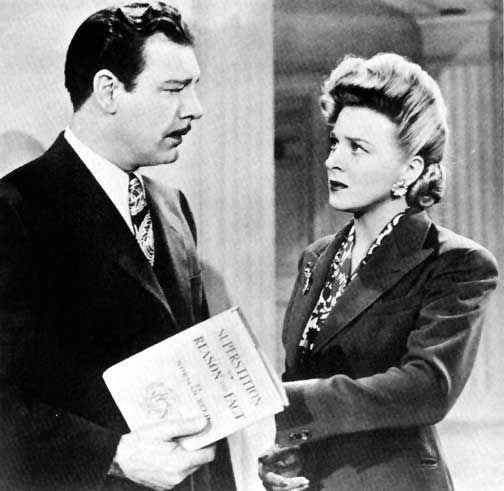 Femme de rêve (1944). Evelyn Ankers joue un bibliothécaire d'université. Elle est mal, manipulatrice, et un méchant!