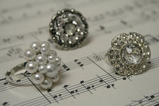 love these rings made from buttons
