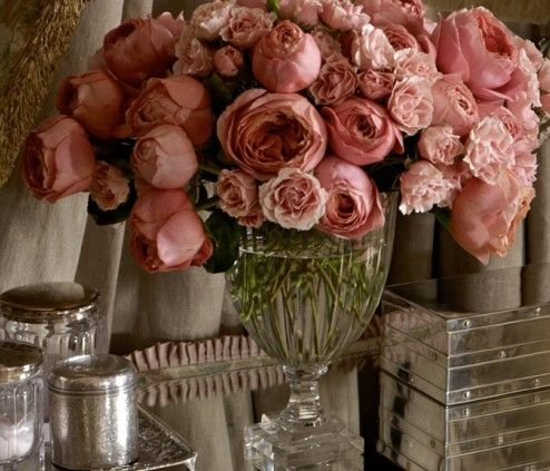 An abundance of dusty, vintage pink hued floral loveliness. #flowers #pink #arrangement #vintage