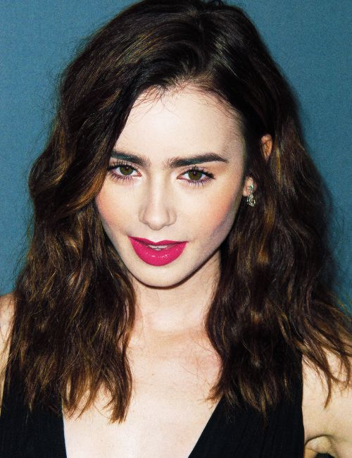 Lily Collins - #Celebrities