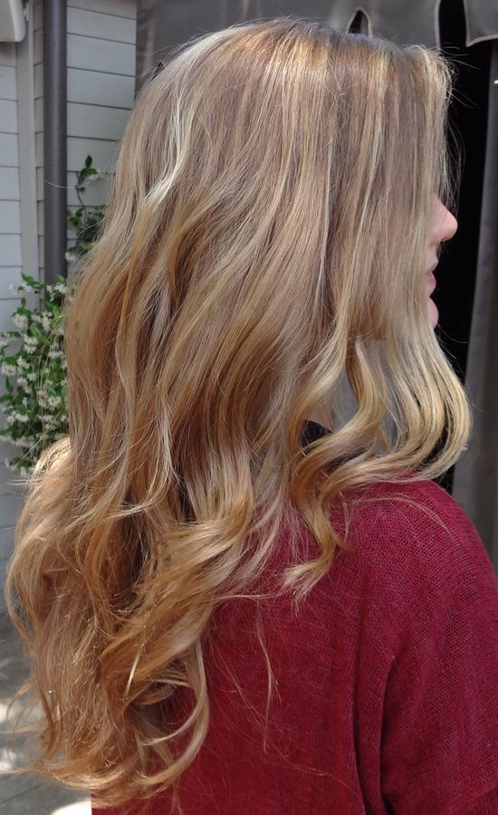 Blonde balayage highlights by Sarah Conner.