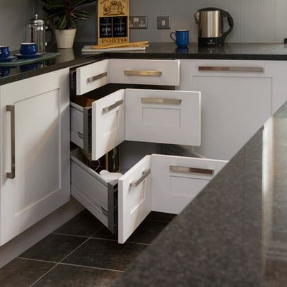 Kitchen Design Ideas, Pictures, Remodeling and Decor This is a great alternative to the round corner units!