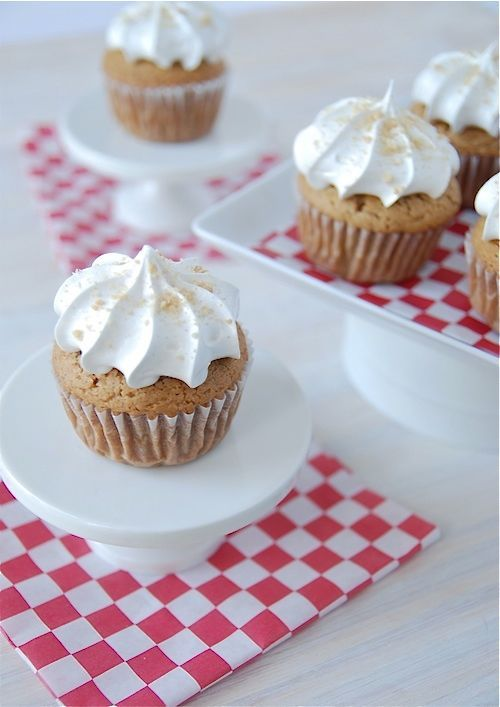 Biscoff Cupcakes with Marshmallow Frosting