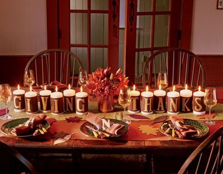 50 Thanksgiving Displays Ideas - Candles are perfect to light up your Thanksgiving table. They also are perfect to light up the whole dining or living room for the celebration.