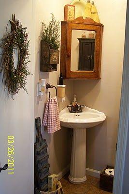 Cute country/primitive style bathroom