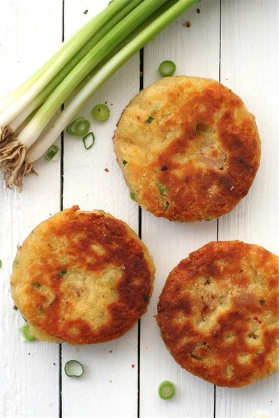 Gourmet Tastes: potato cakes with bacon and scallion