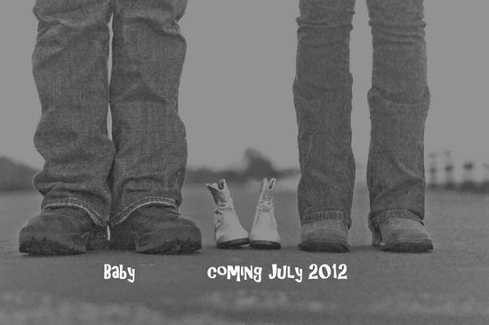 Baby announcement picture. CUTE!