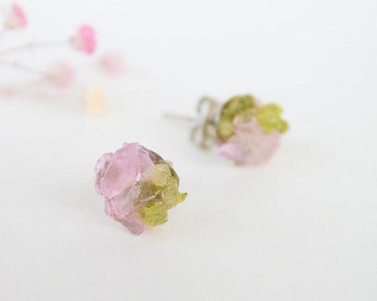 Spring stud earrings  Peridot and rose quartz by CraftsGardenOfZen, $22.00