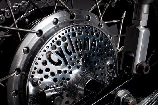 Rear brake - Honda CB750
