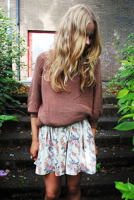 #beauty #clothes #outfit #woman #spring #flowers #floral #skirt #jumper #knit #sweater #nude