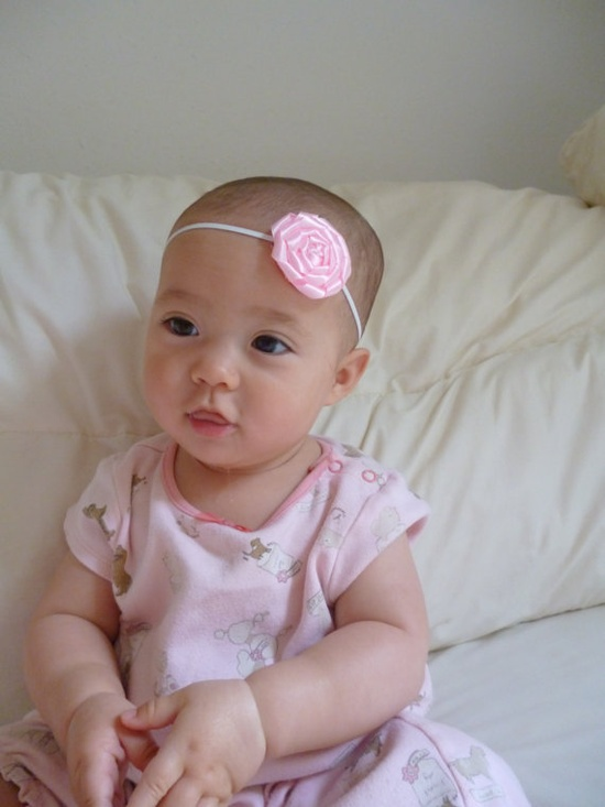Cute baby headband, very inexpensive.