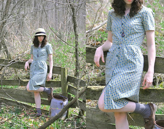 1940s dress // Novelty Print // Small new in the shop!