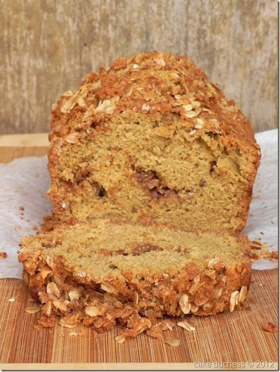 walnut streusel bread @Lora