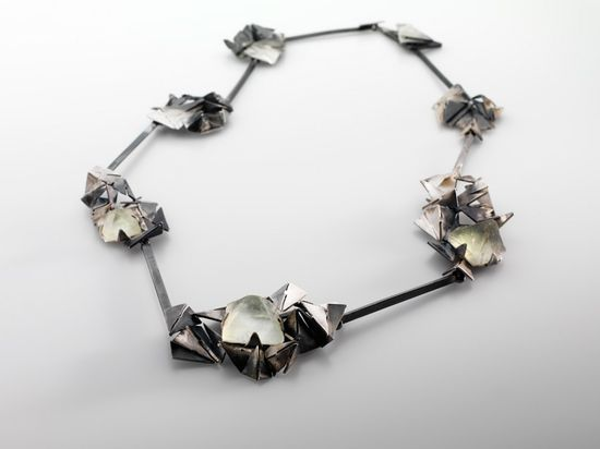 Regine Schwarzer / Works / GEOMORPHING COLLECTION -     Fractal construct series  2011    oxidised sterling silver, fluorite crystals,    200 x 200 x 18mm