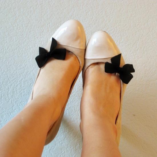 little black bow shoe clips