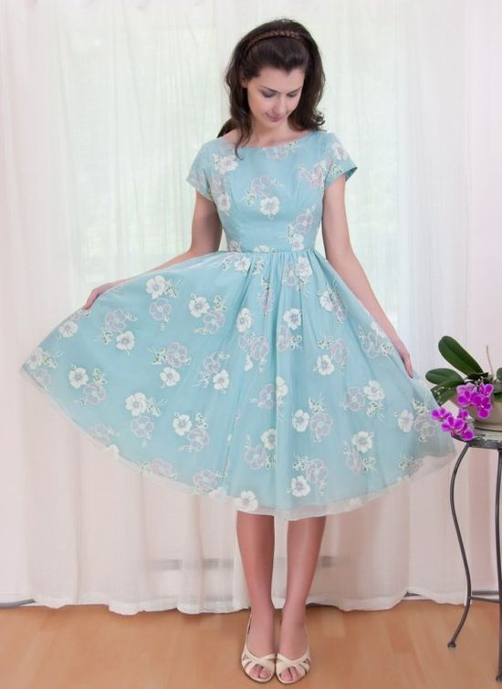 Lovely robin's egg blue dress with lace floral details ?