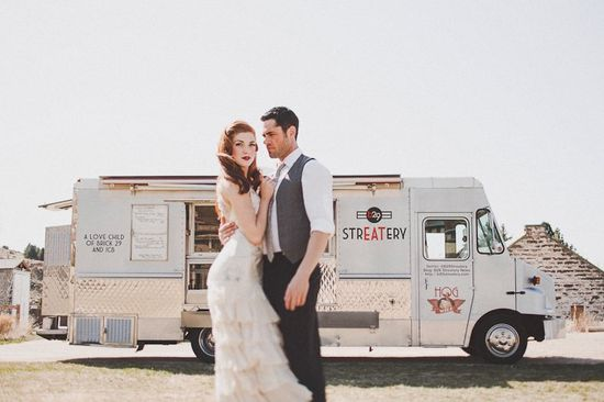 food truck wedding photo