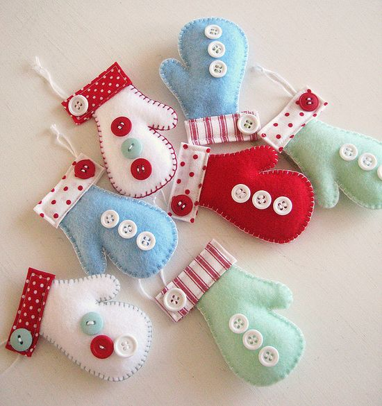 Adorable felt Mittens with buttons Christmas ornaments