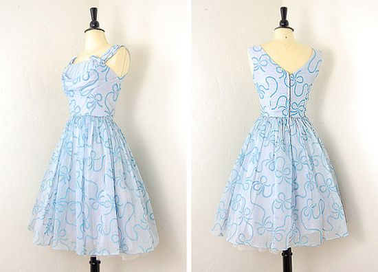 1950s vintage party dress. Love the bows.