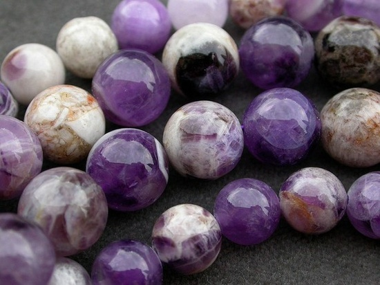 natural gemstone Dogtooth Amethyst.