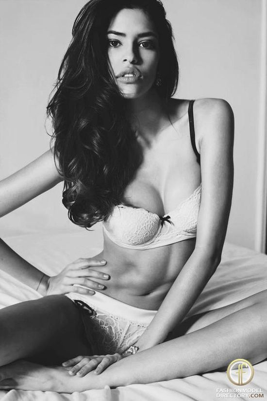 Juliana Herz - Photo - Fashion Model - ID426117