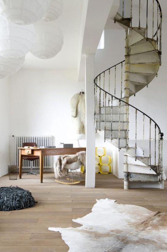 I have ALWAYS dreamed of having a spiral staircase in my home like this one
