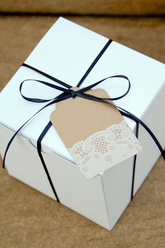 lace gift tag