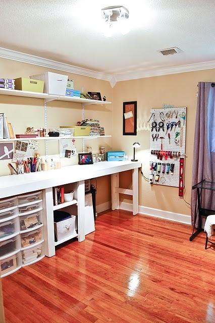 Great craft room!