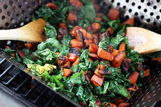 Grilled Sweet Potato & Kale Salad by tasty-yummies: Gluten-free and vegan #Salad #Sweet_Potato #Kale #tasty_yummies