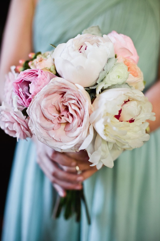 a palette of pastel pretties  Photography by jwestwedding.com, Floral Design by allisonphalenflor...