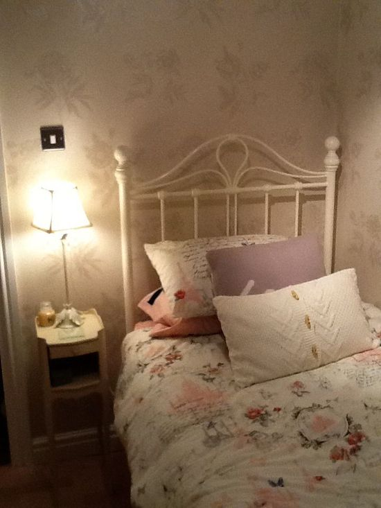 Shabby chic bedroom. - ideasforho.me/... -  #home decor #design #home decor ideas #living room #bedroom #kitchen #bathroom #interior ideas