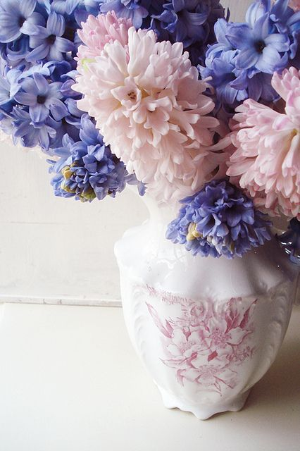 Soft, delightfully lovely shades of pale pink and violet-kissed blue. #flowers #spring #vase #arrangement #shabby #chic #pink #Easter