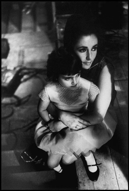 Elizabeth Taylor and her daughter Liza Todd on set in 1963