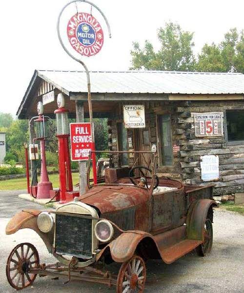 Old Gas Station - Hardy, AR