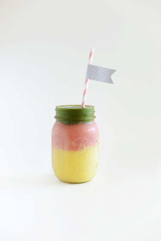 DIY: layered mango smoothie