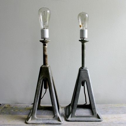 Lamps using two old car jacks......yes!!
