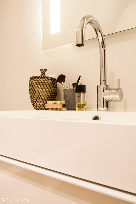 Bathroom designed by Studio Nest. www.studionest.nl