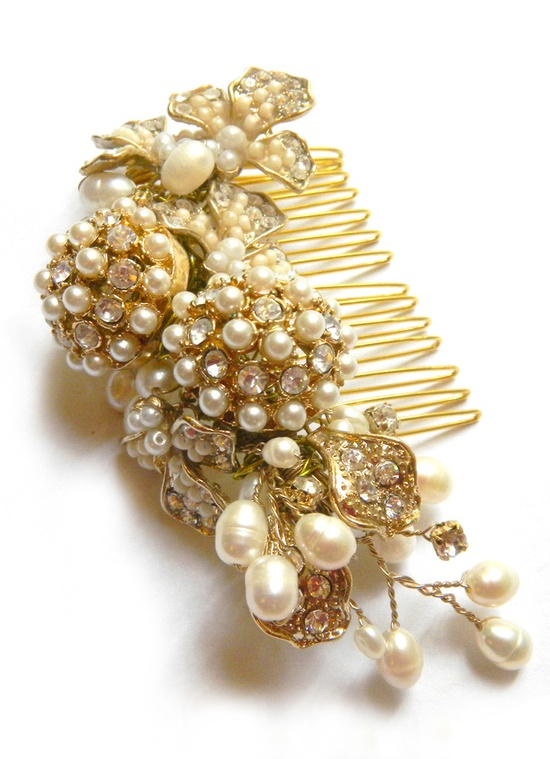 golden pearl hair comb