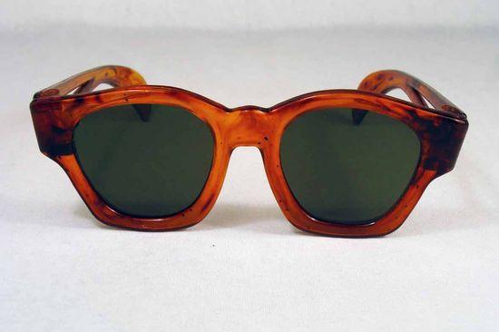 // 1930s sunglasses