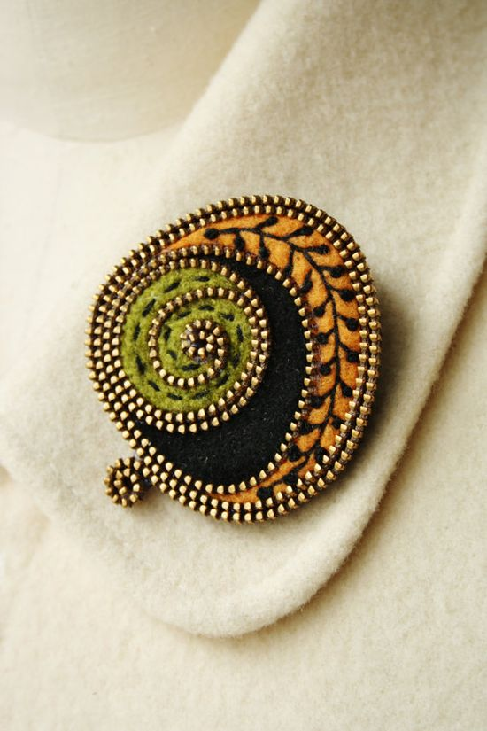 Felt and zipper abstract brooch by woollyfabulous on Etsy, $34.00    Love this.  Clever use of a zip!
