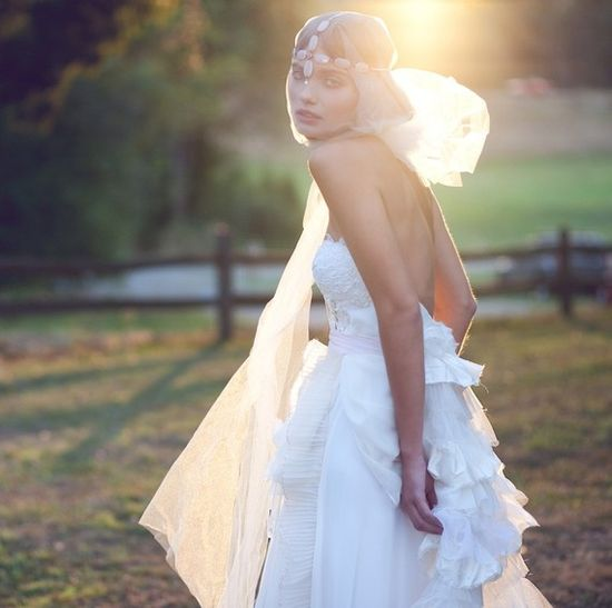 Claire La Faye: ¿Comprarías tu vestido de novia en Internet?