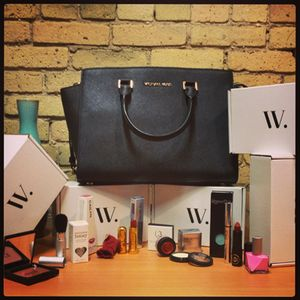 I just entered to win a Michael Kors bag Wantable. Enter now!  CLICK HERE: www.wantable.com/...